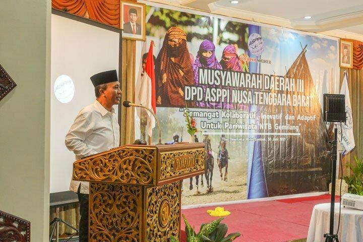Bupati Lombok Barat Fauzan Khalid saat memberikan sambutan di acara Musda III DPD ASPPI NTB